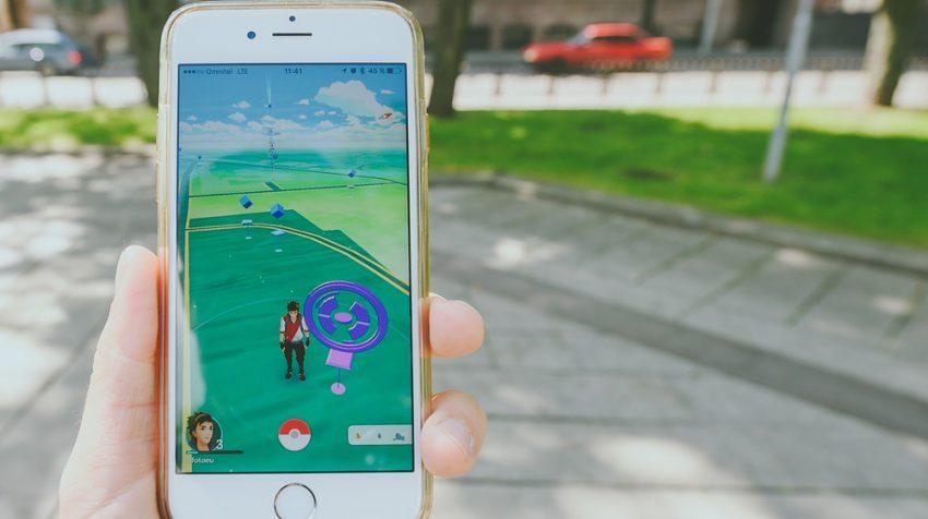 Telefon z Pokemon Go